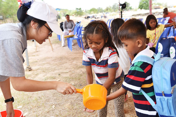Third Relief Distribution cum Free Clinic for Landfill Residents in Cambodia