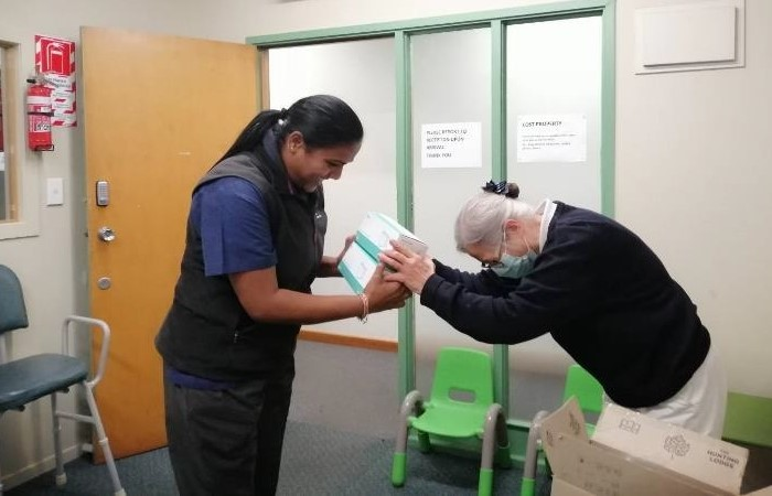 Tzu Chi New Zealand distribute personal protective equipment to keep COVID-19 cases zero