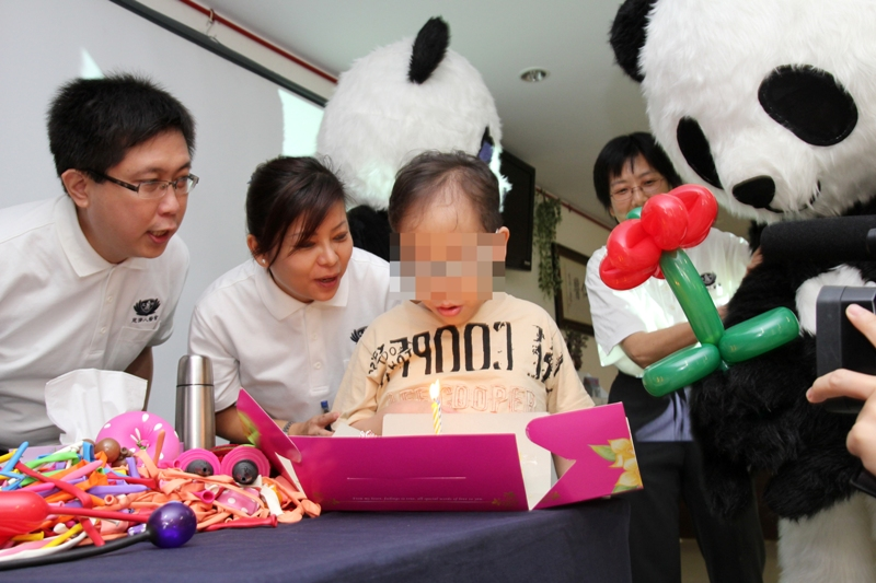 "No More Tearful Kids-- Thanks to ""Panda"" Dentists"