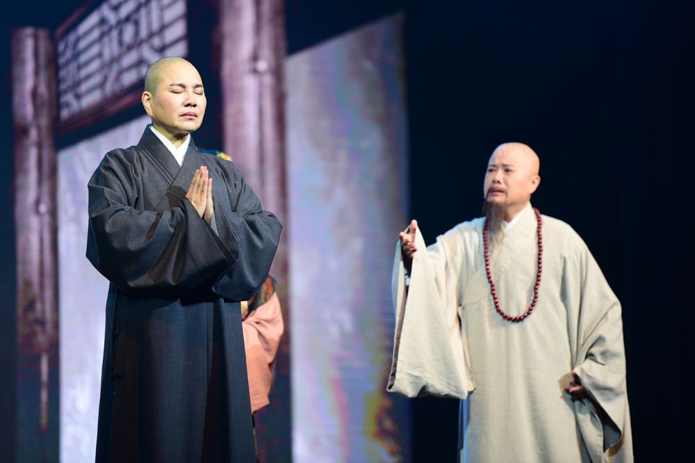 "Chan Master Hui Si asked Master Zhizhe to go to Jinling (present Nanjing) and preach the Dharma. Before they parted ways, he gave his beloved disciple his last reminder: ""Do not use the Dharma to gain favour from others. Do not be the last bearer of the Dharma.""  (Photo by Wong Twee Hee)"